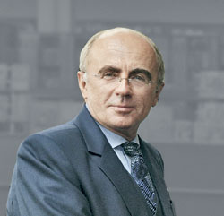 ректор Санкт-Петербургского Гуманитарного универстета профсоюзов, профессор Александр Сергеевич Запесоцкий
